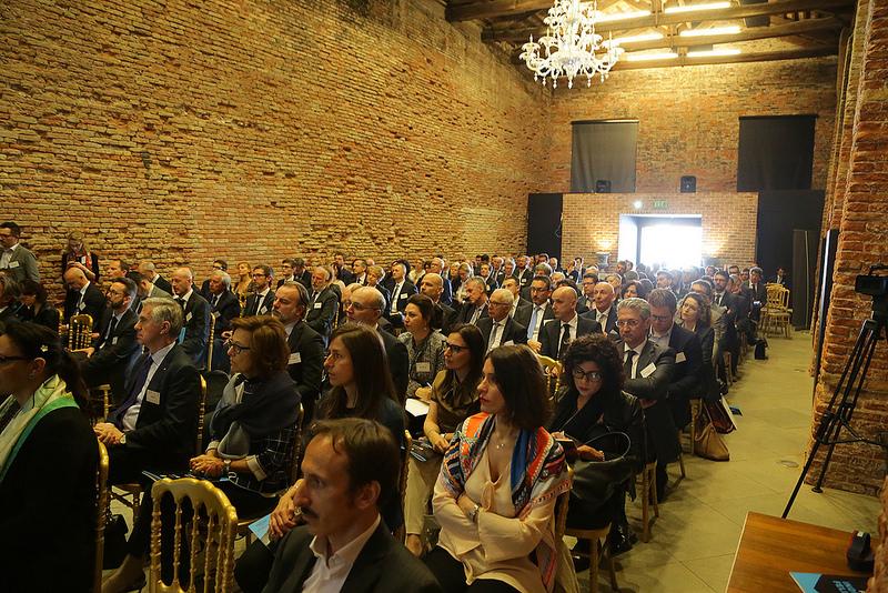 Aziende, Veneto: Crescono fatturato (+9,4%), mol (+9,9%) e addetti (+7,2%) di pmi e grandi imprese